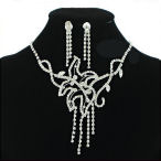 Georgeous and flowing designer necklace with 4 individual drops