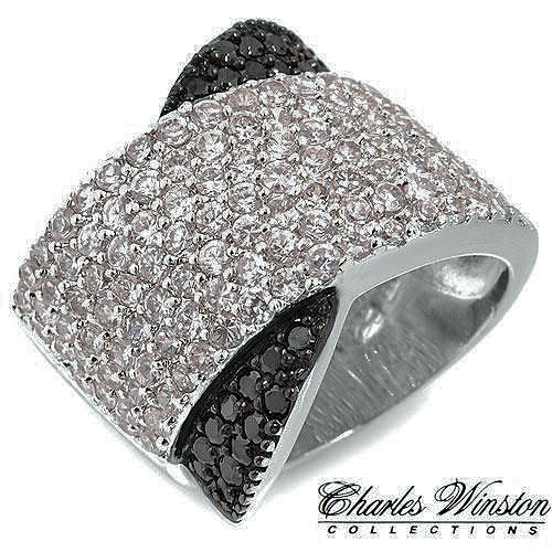 Pure simple extreme beauty in this ring 2.91ctw CZ and Onyx in Solid .925 Sterling Silver 13.8g